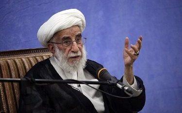 باید قدردان ملت نجیب ایران باشیم که با همه مشکلات در دفاع از انقلاب استوارند