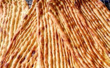 توزیع نان صلواتی در شهرستان شفت